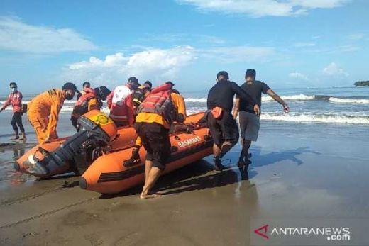 Tim Gabungan Lanjutkan Pencarian Nelayan yang Jatuh di dekat Pulau Tangah Pariaman