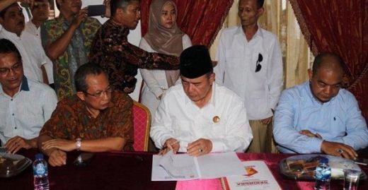 Hari Terakhir Pendaftaran, Nasrul Abit Kembalikan Formulir Pendaftaran Cagub Sumbar ke Gerindra