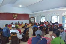 gelar-jumpa-pers-di-rudin-wako-hendri-arnis-ajak-wartawan-diskusi-memajukan-kota-padang-panjang