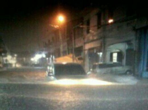 Evakuasi Korban Banjir Padang, BPBD Sumbar Turunkan Perahu Karet ke Sejumlah Titik Malam Ini