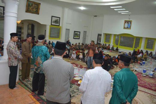 Ribuan Warga Ramaikan Buka Bersama di Kediaman Walikota Padang Panjang