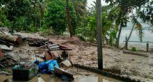 Tak Hanya Bangunan dan Ternak, Mobil dan Motor Ikut Terseret Banjir Bandang di Padang Laweh Malalo