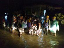 banjir-landa-kota-padang-dan-padang-pariaman-gubernur-minta-warga-waspada-dan-sisir-goronggorong