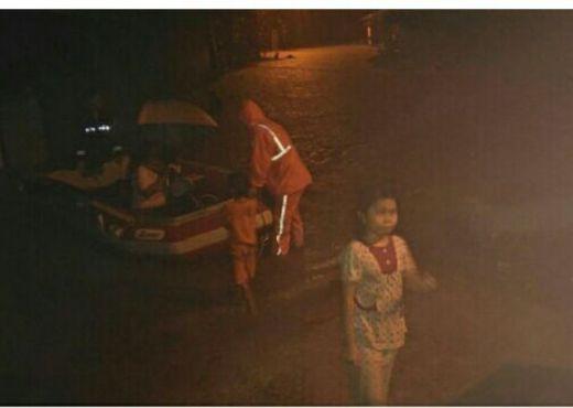 Satu Tewas dan Ribuan Warga Dievakuasi dalam Musibah Banjir di Padang dan Padang Pariaman