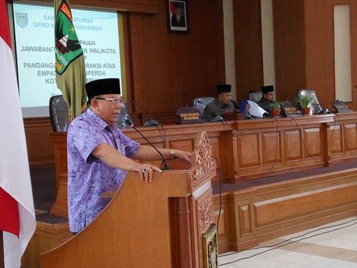 Suwandel Muchtar Sampaikan Jawaban Walikota Payakumbuh Atas 4 Buah Ranperda Terhadap Pandangan Fraksi DPRD