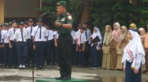 Tanamkan Nasionalisme pada Generasi Muda, Danramil 01/SWL Berikan Wawasan Kebangsaan di SMPN 2 Kota Sawahlunto