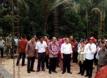 Presiden Jokowi Puji Pembangunan Jalan Desa Nagari Parit Malintang