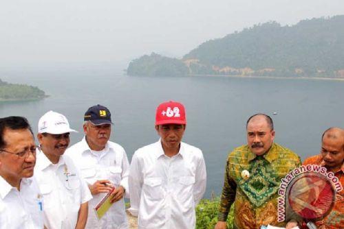 Masyarakat Minta Jokowi Dirikan Universitas Negeri dan Bangun Bandara yang Lebih Besar