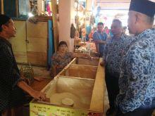 Walikota Padang Janji Benahi dan Tata Pasar Lubuk Buaya