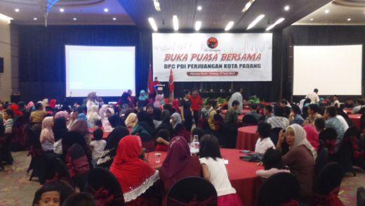Serahkan SK Pengurus Hingga Tingkat Ranting, DPC PDI-P Kota Padang Siap Diverifikasi KPU