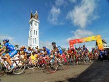 Hari Ini, Pebalap Tour de Singkarak 2015 Start di Jam Gadang Bukittinggi