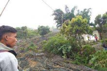 Longsor di Nagari Aie Dingin, Jalan Lintas Padang-Muaro Labuah Putus