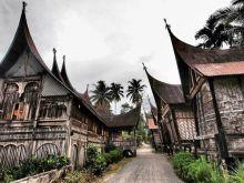 Masyarakat Kawasan Saribu Rumah Gadang Keluhkan Kayu untuk Revitalisasi Rumah Gadang tidak Sesuai Kriteria