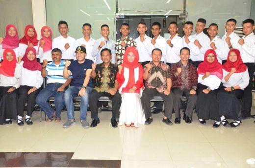 Sekdako Padang Apresiasi Anggota Paskibraka Upacara HUT RI ke-71