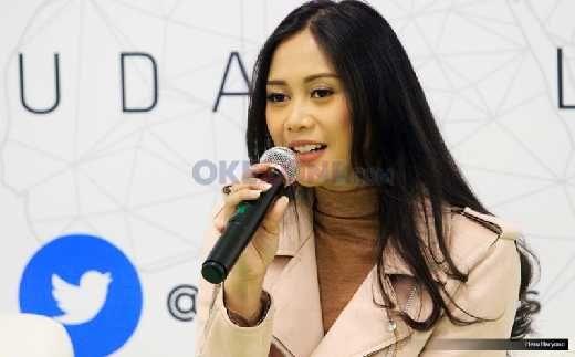 Wuih, Penyanyi Cantik Ini Pas Ketemu Masakan Padang Bisa Kalap, Ini Penjelasannya...