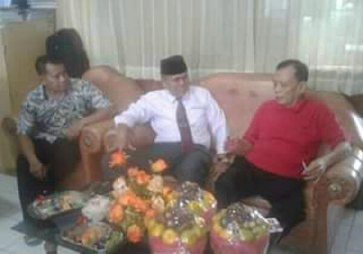 Sejumlah Pejabat Pemko Padang Ditahan di Lapas Kasus Korupsi, Wawako Berikan Dukungan Moril Saat Membezuk