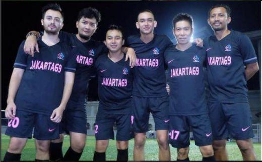 Ini Dia Para Artis Ibukota Tim Jkt 69 yang Datang ke Padang Hebohkan Final Sepakbola Irman Gusman Cup