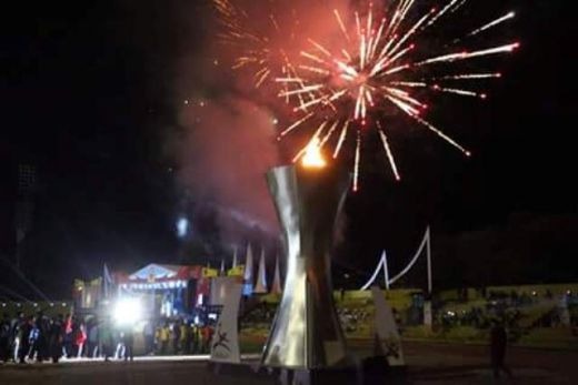 Meriah Nyala Kembang Api, Gubernur Sumbar Resmi Buka Porprov XIV Sumbar 2016