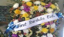 Pemko Padang Berduka, Kasi Kesos Kecamatan Pauh Meninggal Dunia, Wawako Melayat ke Rumah Duka