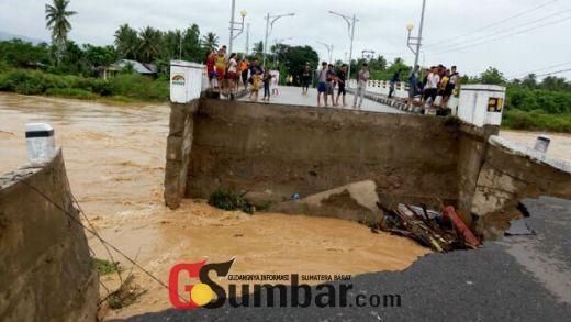 Walikota Padang Kunjungi Kawasan Banjir Padang Sarai, Jembatan Pasia Nan Tigo Putus Diterjang Banjir