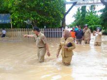 Wawako Emzalmi Instruksikan Camat dan Lurah Data Kerusakan Akibat Banjir