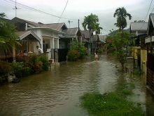 Hujan Lebat Kembali Turun di Padang, Warga Kembali Cemaskan Banjir Susulan