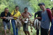Mangadou, Tradisi Unik Menangkap Ikan Desa Rantih Kota Sawahlunto