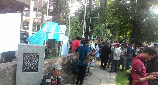 Massa MK-Fauzi Demo, KPUD Sumbar Tetap Lakukan Pleno Penetapan IP-NA