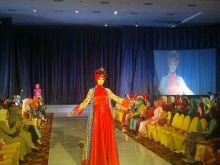 Siap Jadi Kawasan Wisata Halal, Sumbar Gelar Minangkabau Fashion Festival 2016