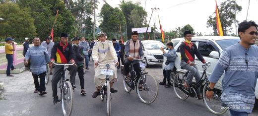 Usai Keliling Naik Ontel, UAS Berikan Tausiyah di Masjid Tawakkal Magek Agam