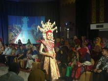 Dihadiri Desainer Nasional Itang Yunaz dan Chintami Atmanegara, Minangkabau Fashion Festival Digelar Tiga Hari