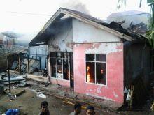 Sore Ini, Dua Rumah Warga di Kampung Pulasan Bukittinggi Ludes Dilalap Api
