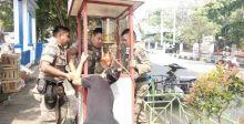 Satpol PP Payakumbuh Tertibkan PKL yang Berjualan di Luar Waktu yang Diizinkan