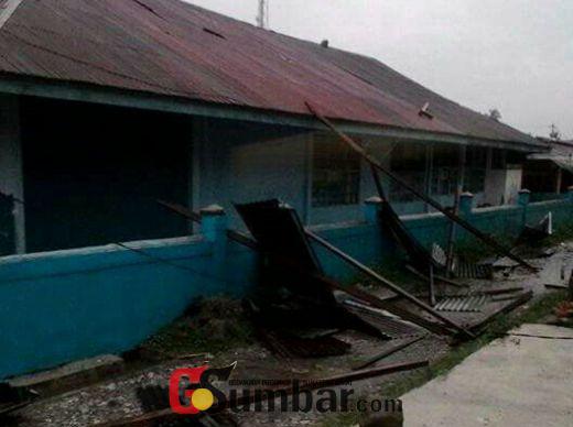 Usai Diterjang Banjir, MTsM Sumani Kabupaten Solok, Kini Diterjang Puting Beliung