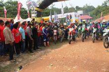 Ratusan Rider Meriahkan Iven Wisata Trail Adventure Nagari Sikabau Dharmasraya