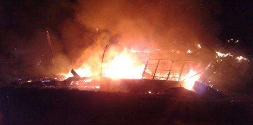 Kebakaran Dini Hari Tadi, Tiga Bangunan Ludes di Ampek Angkek Agam