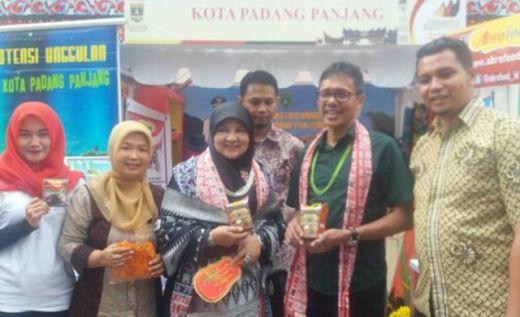 Gubernur IP Apresiasi Stand Padang Panjang di Sumbar Expo Kota Bandung