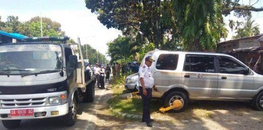 Parkir Sembarangan, Puluhan Kendaraan Ditilang dan Diderek di Padang