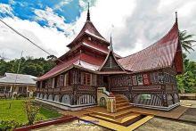 Walikota Hendri Arnis Ajak Masyarakat Bersihkan Seluruh Masjid di Padang Panjang