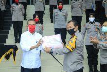 Polda Sumbar Latih Personel Buat Peti Mati, Polwan Menjahit Masker Hadapi Pandemi Covid-19