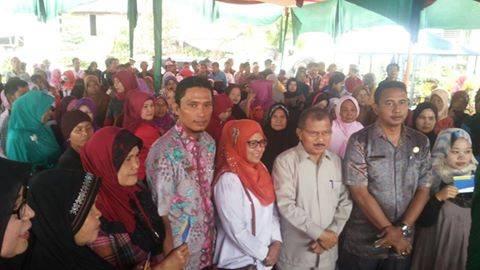 Bupati Padang Pariaman Serahkan Bantuan Stimulan Perumahan dari Kemen PU