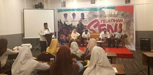Lestarikan Adat dan Budaya, Siswa SLTP di Padang Pariaman Dilatih Silek Ulu Ambek, Simarantang dan Talempong