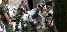 Kodim 0312/Padang Bangun Jamban Gratis Bagi Masyarakat Pauh