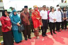 Lihat Pelayanan Masyarakat di Kantor Camat Kuranji, Puan Maharani: Pelayanan KTP Antar Alamat Wujud Perhatian Pemko Padang