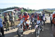 Melihat Empat Danau Dari Ketinggian Bukit Cambai Kabupaten Solok