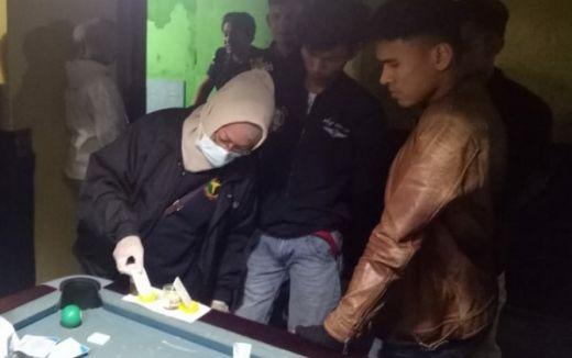 Tes Urine Mendadak, 3 Pengunjung Hiburan Malam di Bukittinggi Diamankan Polisi